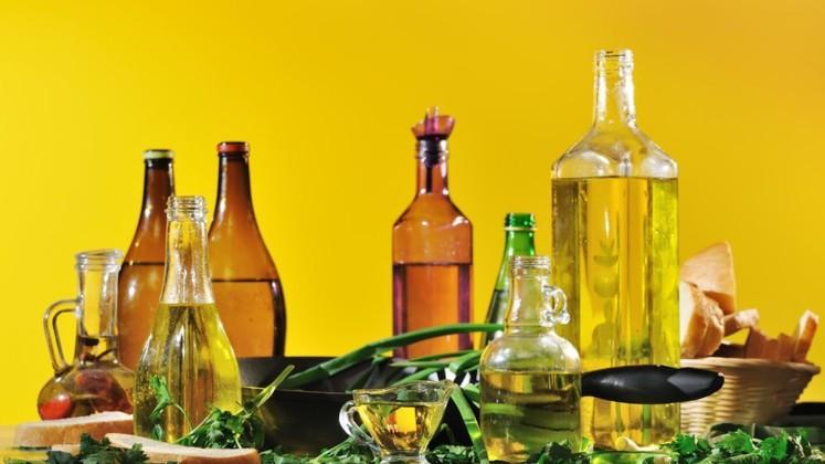 Сыродавленное масло: что это такое и с чем его едят